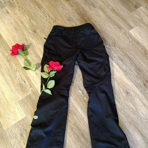 Size xs 686 GLCR snowpants